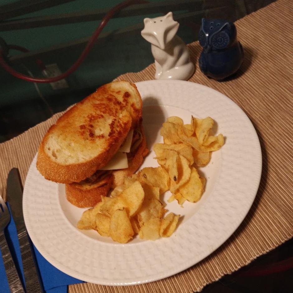 fatback-pork-swiss-cheese-sandwhich-2