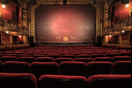 Theatre vs. Theatre - Which is Better?
